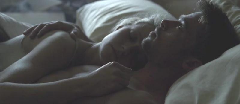 Brad Pitt  e Gwyneth Paltrow in una scena di Seven