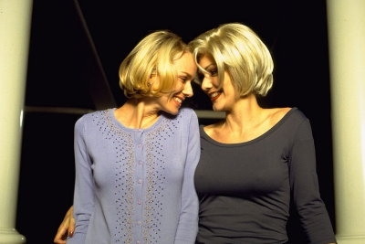 Naomi Watts e Laura Harring in una scena di Mulholland Drive, di Lynch