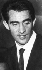 Walter Chiari