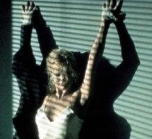 Kim Basinger nella leggendaria scena dello striptease di Nove settimane e mezzo