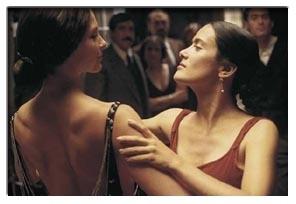 Ashley Judd e Salma Hayek si abbandonano ad un sensuale tango in Frida