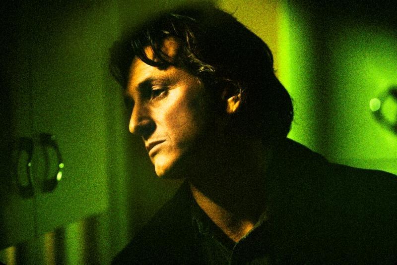 Sean Penn in una scena di 21 Grammi - Il peso dell'anima