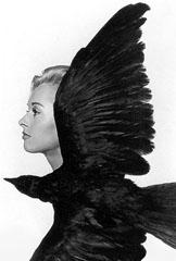 Tippi Hedren in una foto promozionale per Gli uccelli