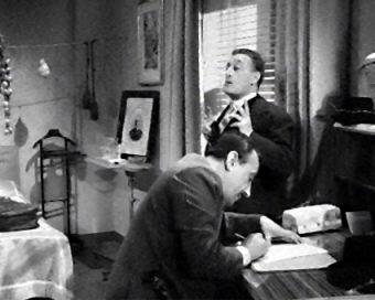 'Signorina, veniamo noi con questa mia addirvi...'  Totò e Peppino De Filippo scrivono una lettera alla 'malafemmina'