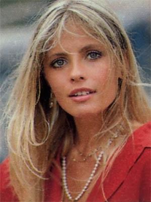 una giovanissima Isabella Ferrari