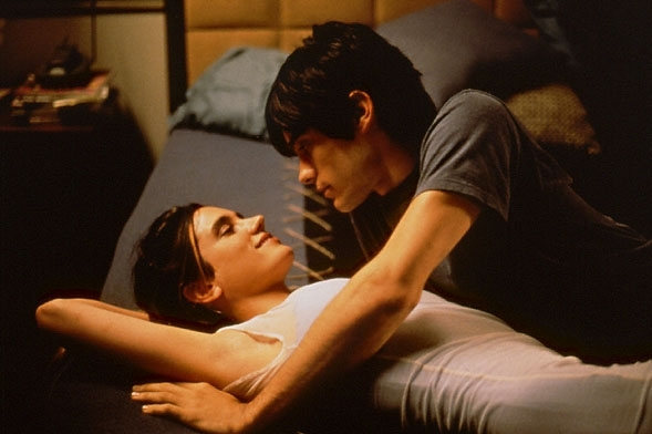 Jared Leto e Jennifer Connelly in una scena di Requiem for a Dream
