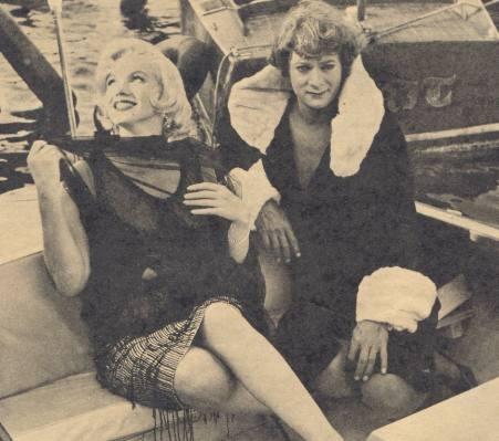 Marilyn Monroe e Jack Lemmon sul set di A qualcuno piace caldo