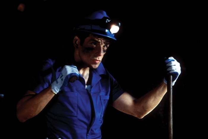 Ben Stiller in versione 'minatore - trendy' in una scena di Zoolander
