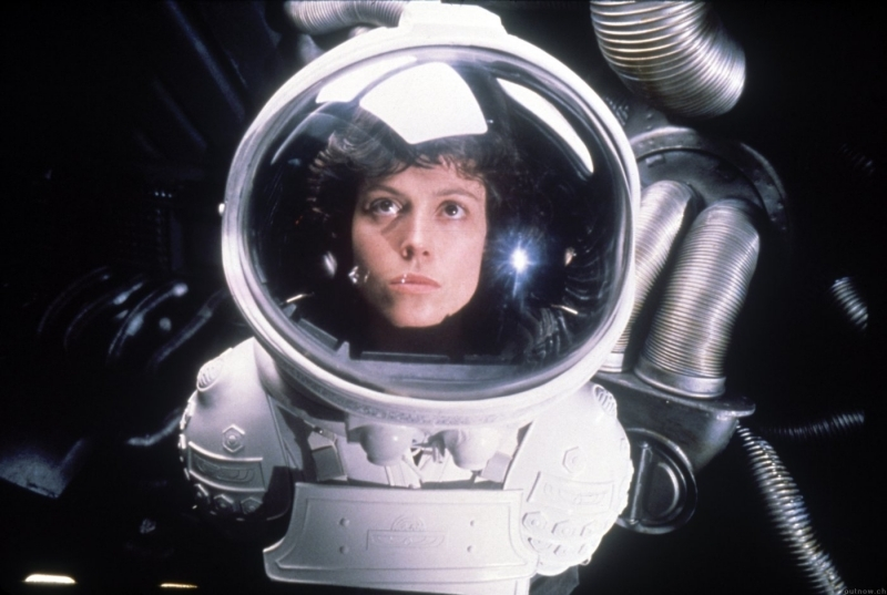 Sigourney Weaver in una sequenza di Alien