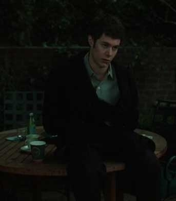 Adam Brody in una scena dell'horror The Ring