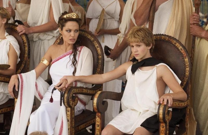 Angelina Jolie e Connor Paolo in una scena di Alexander