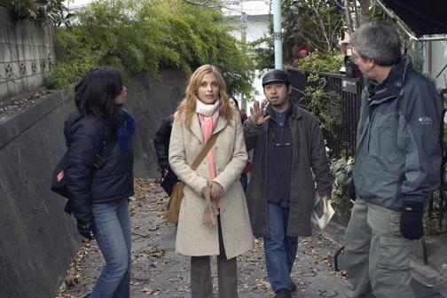 Sarah Michelle Gellar e Takashi Shimizu sul set di The Grudge