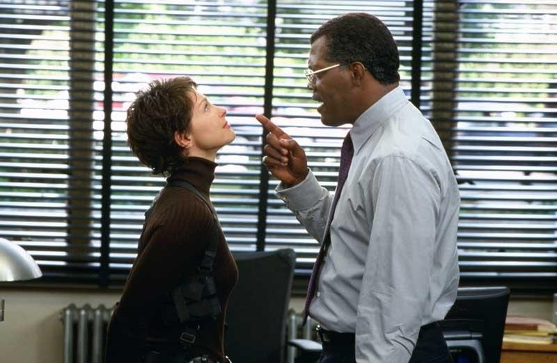 Ashley Judd e Samuel L. Jackson in una scena del film La tela dell'assassino