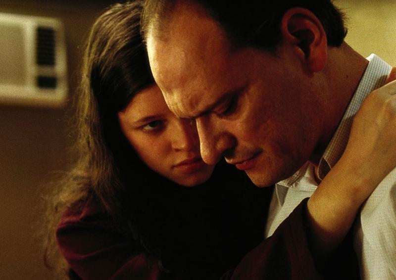 Carlos Belloso e  María Alche in La niña santa