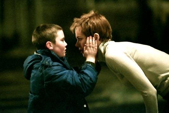 Nicole Kidman e Cameron Bright in Birth - Io sono Sean