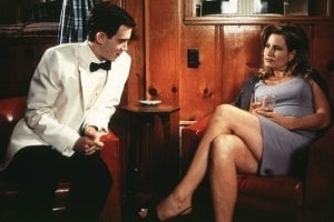 Eddie Kaye Thomas e Jennifer Coolidge in una scena di American Pie