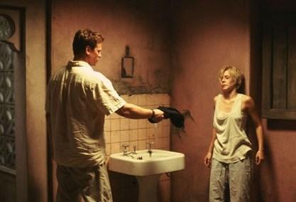 Val Kilmer e Kristen Bell in una scena di Spartan