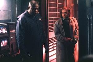 Forest Whitaker e Dwight Yoakam in una scena di Panic Room