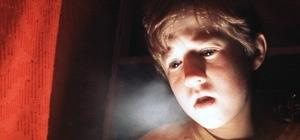 Haley Joel Osment in una scena di Il sesto senso