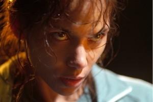 Halle Berry in una scena di Gothika