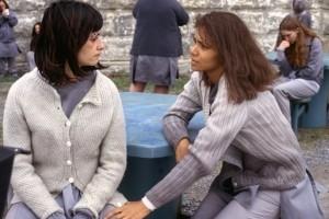 Penélope Cruz e Halle Berry in una scena di Gothika