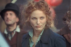 Cameron Diaz in una scena di Gangs of New York