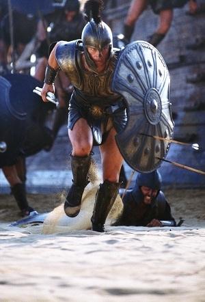 Brad Pitt in una scena di Troy