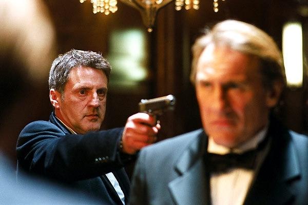 Daniel Auteuil  e Gerard Depardieu in una scena del film 36 quai des orfevres
