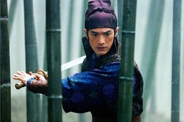 Takeshi Kaneshiro in una immagine del film La foresta dei pugnali volanti