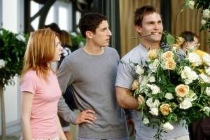Jason Biggs, Seann William Scott e Alyson Hannigan in una scena di American Pie - Il matrimonio