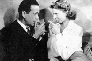 Humphrey Bogart e Ingrid Bergman in una scena di Casablanca
