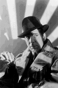 Humphrey Bogart in una scena di Casablanca