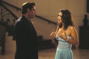 John Travolta e Laura Harring in una scena di The Punisher
