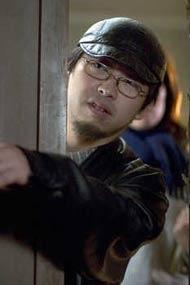 Il regista Takashi Shimizu sul set di The Grudge