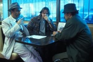 Andy Garcia, Donal Logue e Luis Guzmán in una scena di Confidence