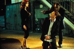 Edward Burns, Rachel Weisz e Morris Chestnut in una scena di Confidence