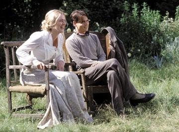 Johnny Depp  e Kate Winslet in una scena di Neverland - un sogno per la vita