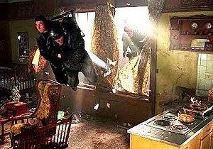 Tom Cruise in una sequenza di Minority Report