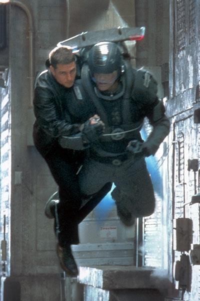 Tom Cruise in una scena di Minority Report