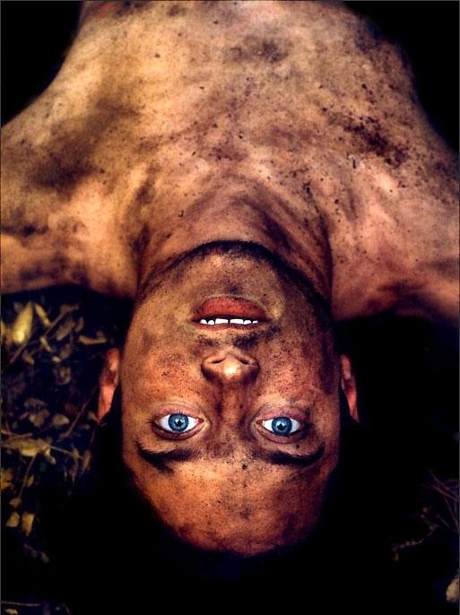 una sensuale immagine di Elijah Wood