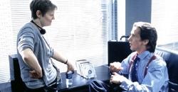 la regista Mary Harron e Christian Bale sul set di American Psycho