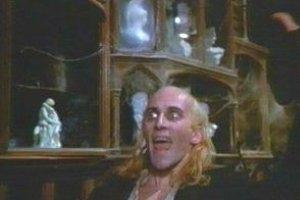 Richard O'Brien in una scena del musical The Rocky Horror Picture Show