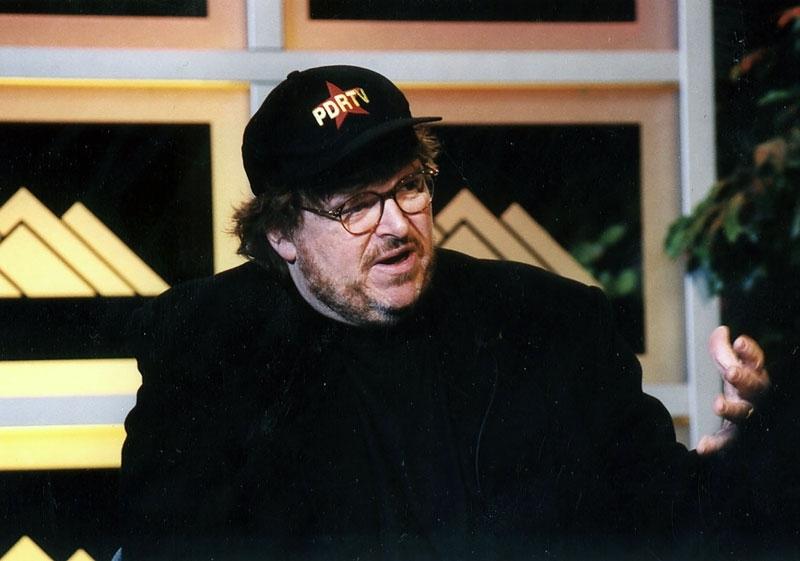 Michael Moore parla in pubblico