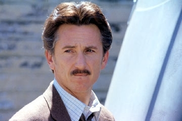 Sean Penn in una scena di The Assassination