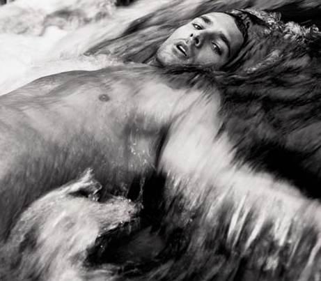 Raul Bova Calendario.Raoul Bova In Una Foto Del Calendario Di Max 10713