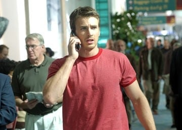 Chris Evans in una scena del film Cellular