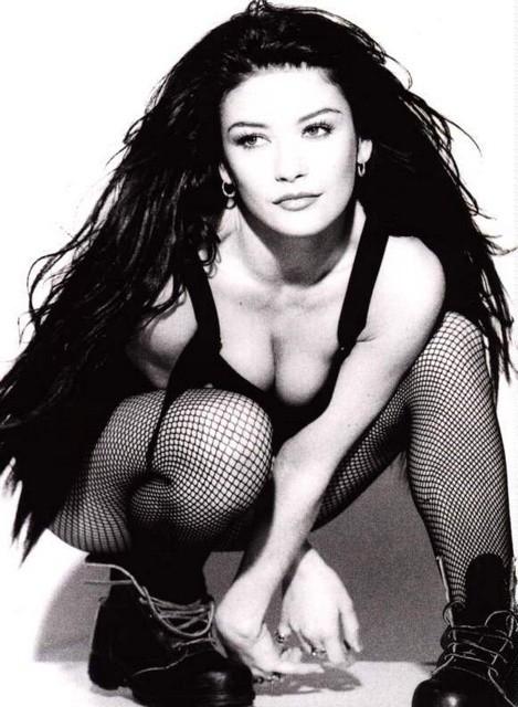 Catherine Zeta-Jones in una immagine degli inizi della carriera