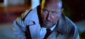 Donald Pleasence in una scena di Halloween II - Il signore della morte