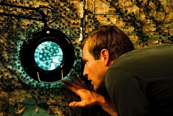 Aaron Eckhart in una scena di Suspect Zero (2004)