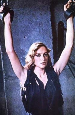 Eleonora Giorgi in una scena di Mia moglie è una strega